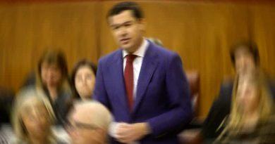 juanma-moreno-promesas-politicas-vinculantes